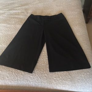 Dress Barn size 10 Capri pants Black